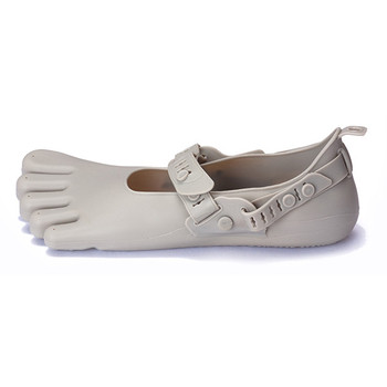 Wholesale cheap price new market various beach shoes