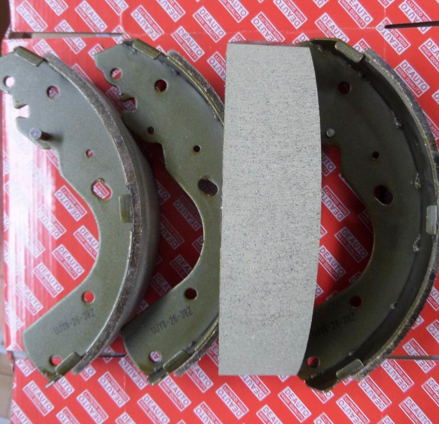 HIGH QUALITY Brake shoe set UJY8-26-38Z