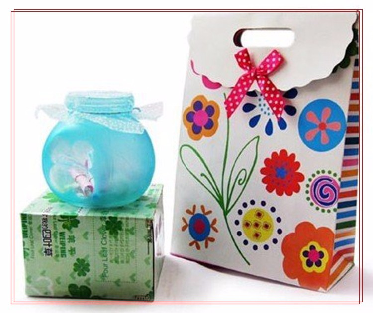 Custom made recyclable gift packing die cut handle bowknot birthday gift bag