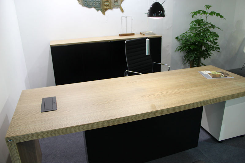 elegent estación de trabajo / chapa de madera ejecutivo escritorio ...