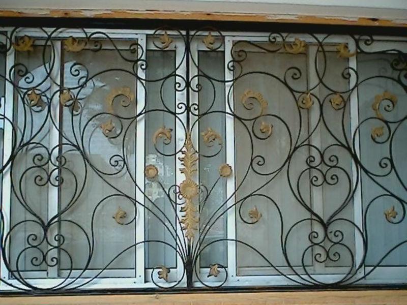 ventanas de ornamentales de hierro forjado para la seguridad