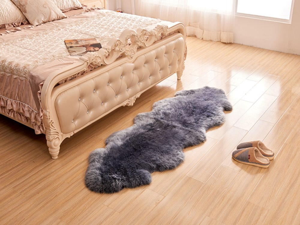 Double pelt White sheepskin rug with brown tip for home decoration or auto uphostery