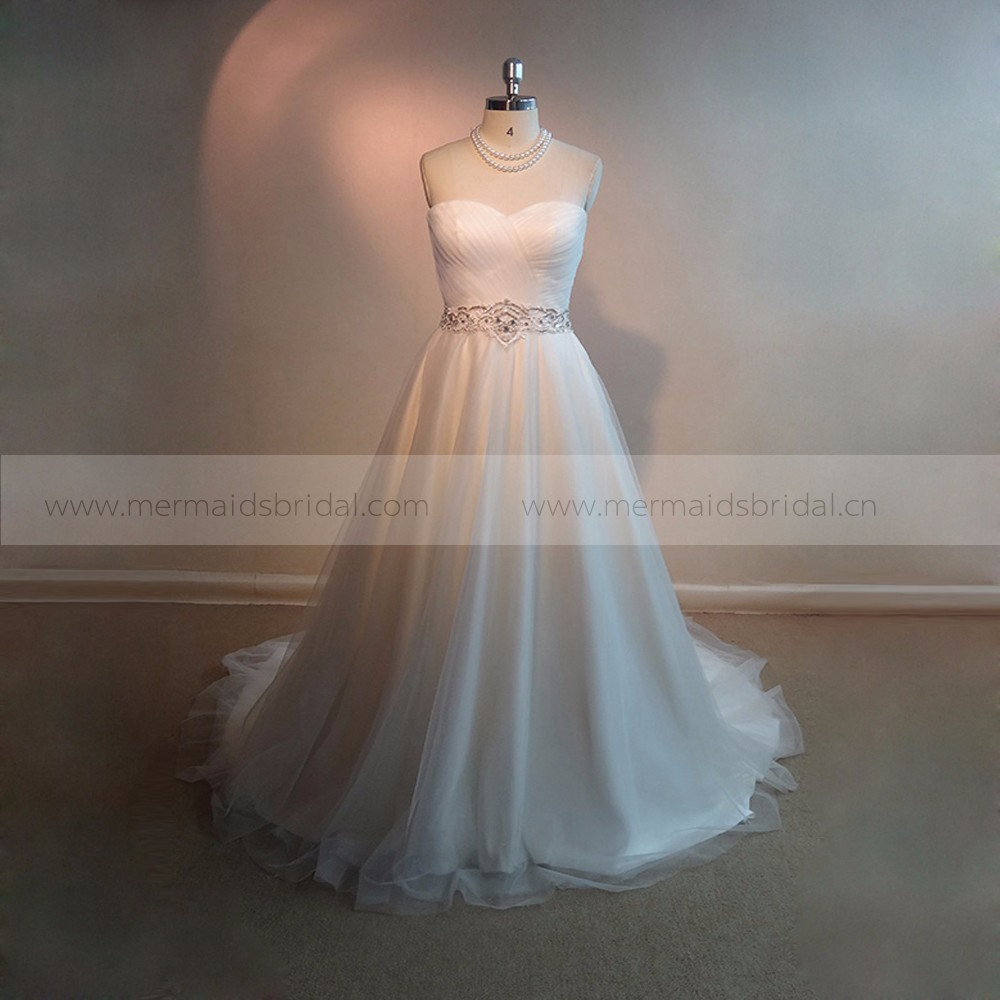 2017 China GuangZhou Simple Wedding Dress With Beads Belt
