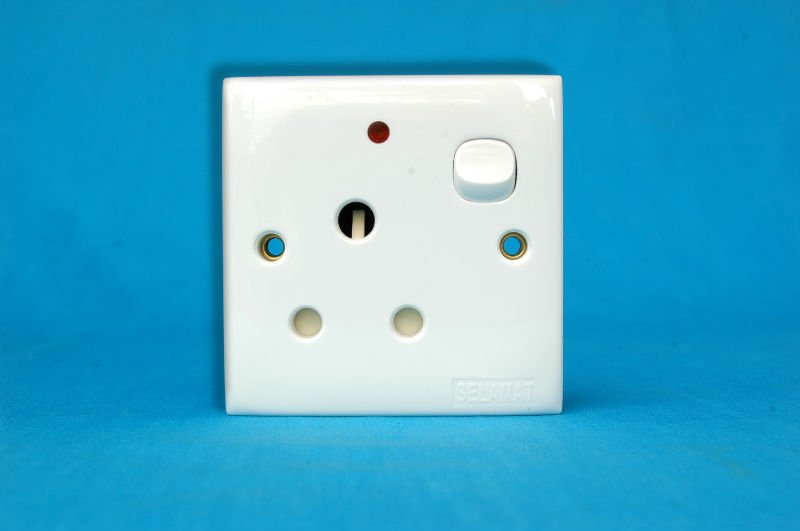15 Amp Switch Socket Outlet - Buy Switch,Switch Socket,15 Amp Switch ...