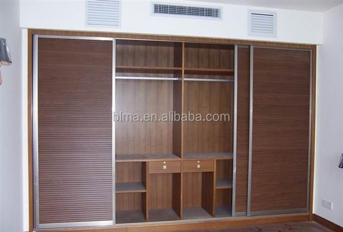 Chambre placard bois armoire armoire placard garde robe id for Placard de chambre en bois