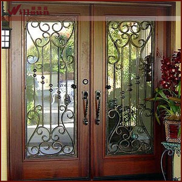 Doble puerta de madera puerta de entrada de hierro forjado for Puertas dobles de madera