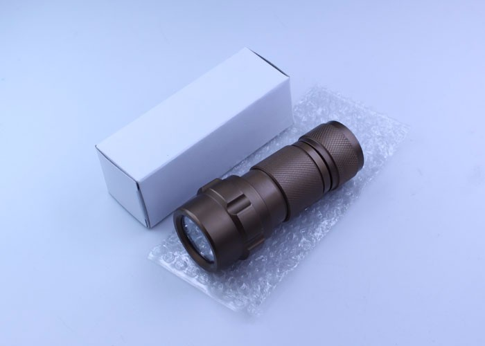 China Manufacturer Durable Most Powerful Aa Battery Flashlight ...