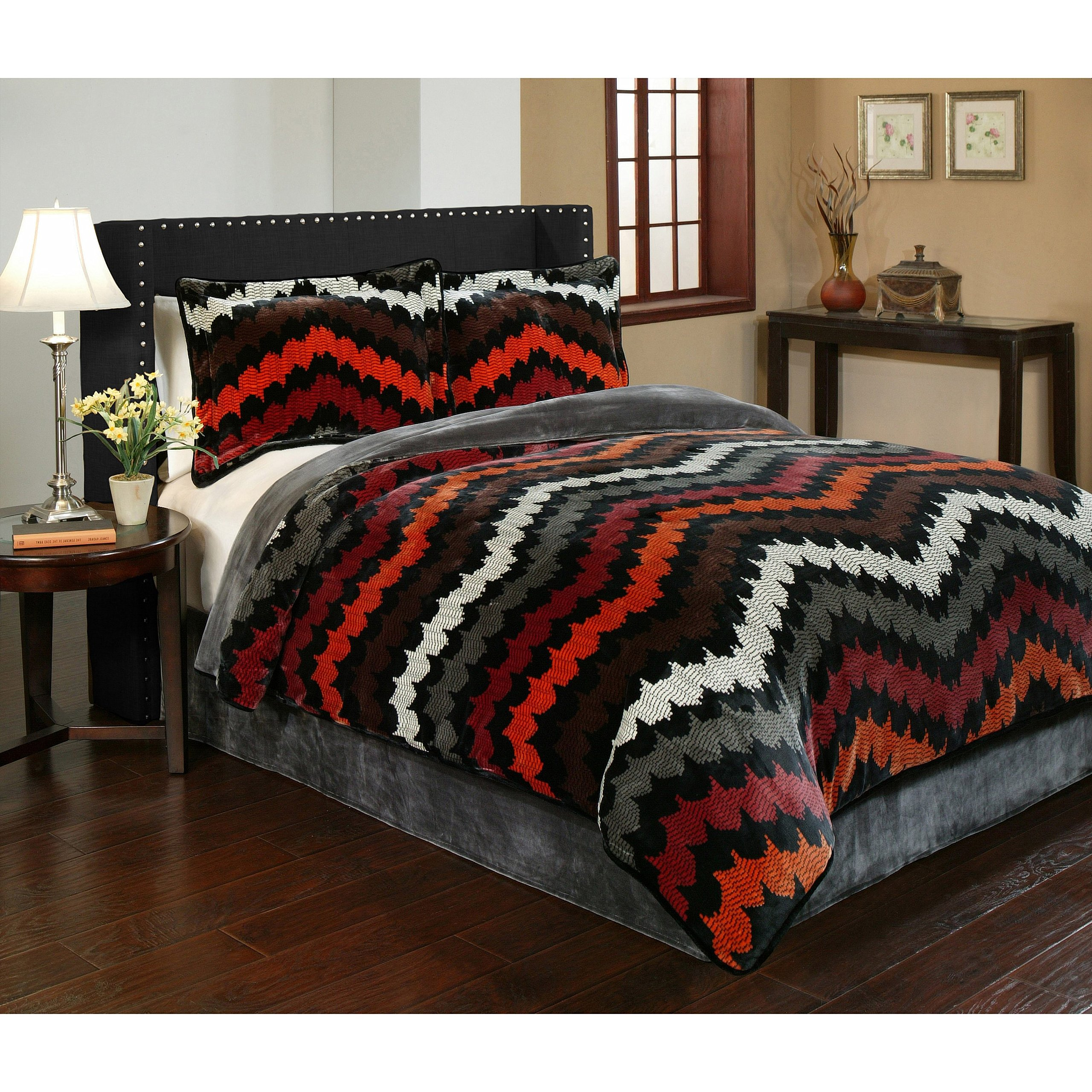 3 Piece Grey Brown Red Orange Southwest Chevron Comforter Queen Set, Multi Boho Chic Horizontal Zigzag Stripe Tribal Bedding, All Over Zig Zag Southwestern Themed Pattern Microplush Velvet Black White
