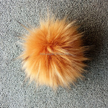 Top quality long hair plush car keychain fur ball for beanie hat faux raccoon fur pom poms 18cm