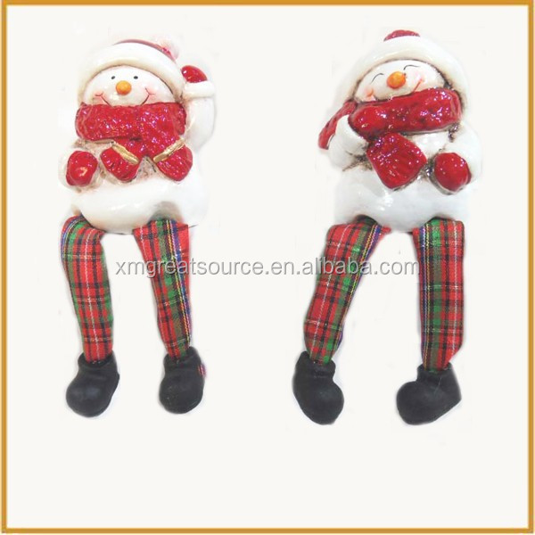 lovely small sitting ceramic christmas snowman figurine
