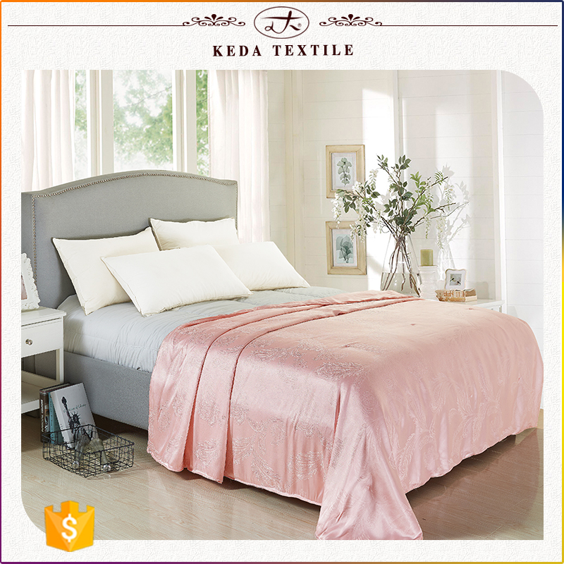 2016 Alibaba China suppliers wholesale home textile 100% natural bedding silk quilt comforter