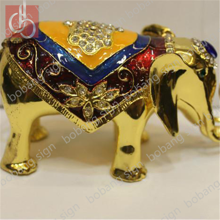 Newly custom electroplating resin crafts / gold plated resin crafts