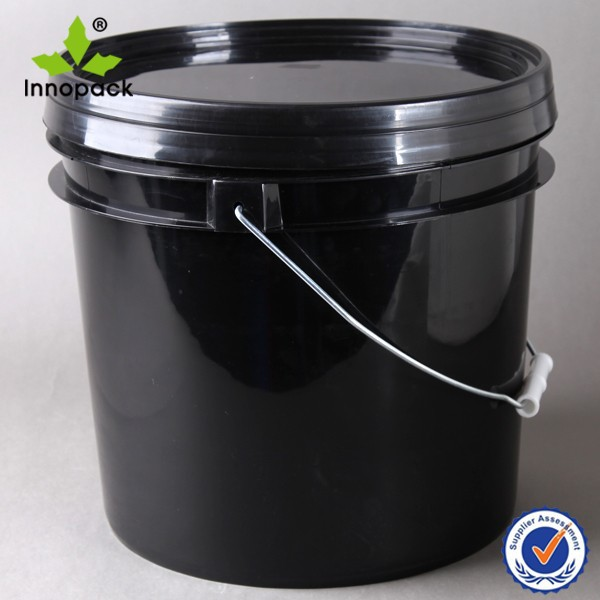 13 liter black plastic recycled bucket with lid