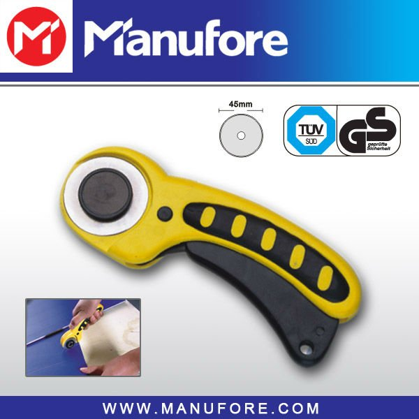 Manufore 45mm Dia. Round Hand Cutting Knife