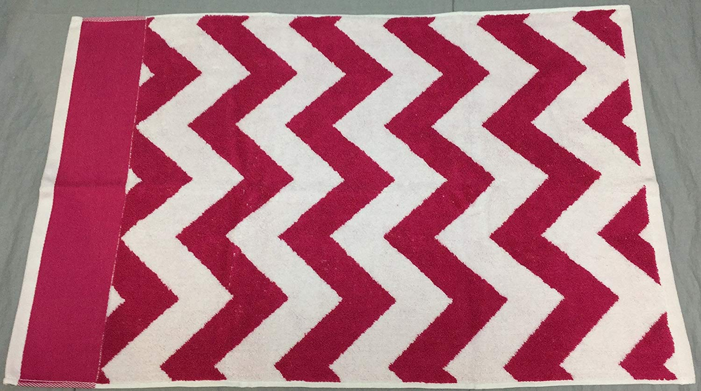 Pottery Barn Teen PB Teen Pink Magenta Chevron Hand Towel (Set of 2)