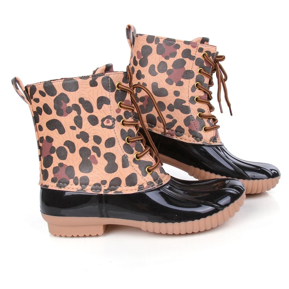 5bf3bc3b3 أحدث وصول أحذية برقبة طويلة مقاومة للماء مشبك ليوبارد بطة احذية المطر