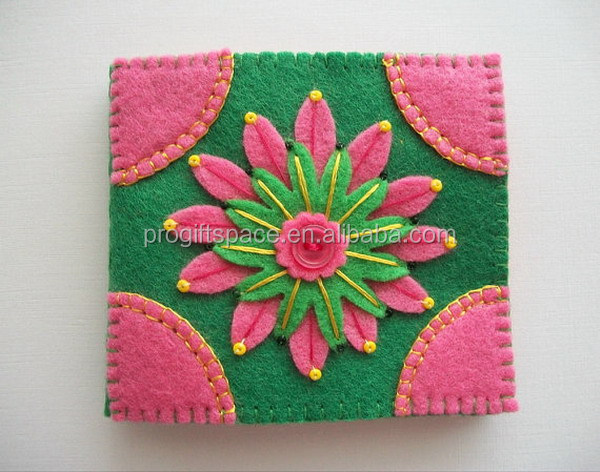 Eco friendly customized Needle Book Green Felt Cover with Pink Embroidered Flower made in China