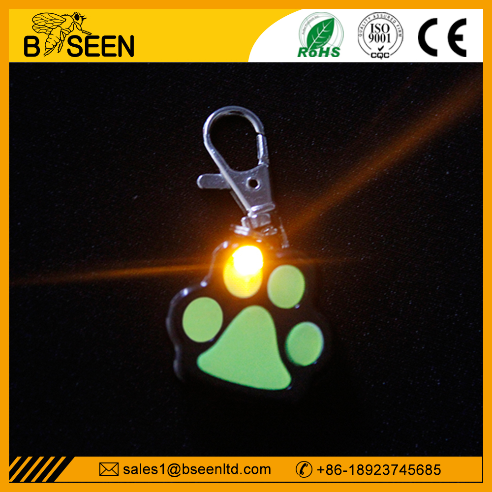 Factory professional flashing safety blinker pet tag with light
