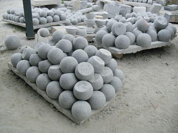Emejing decoration jardin boule pierre photos design for Decoration exterieur jardin zen pierre
