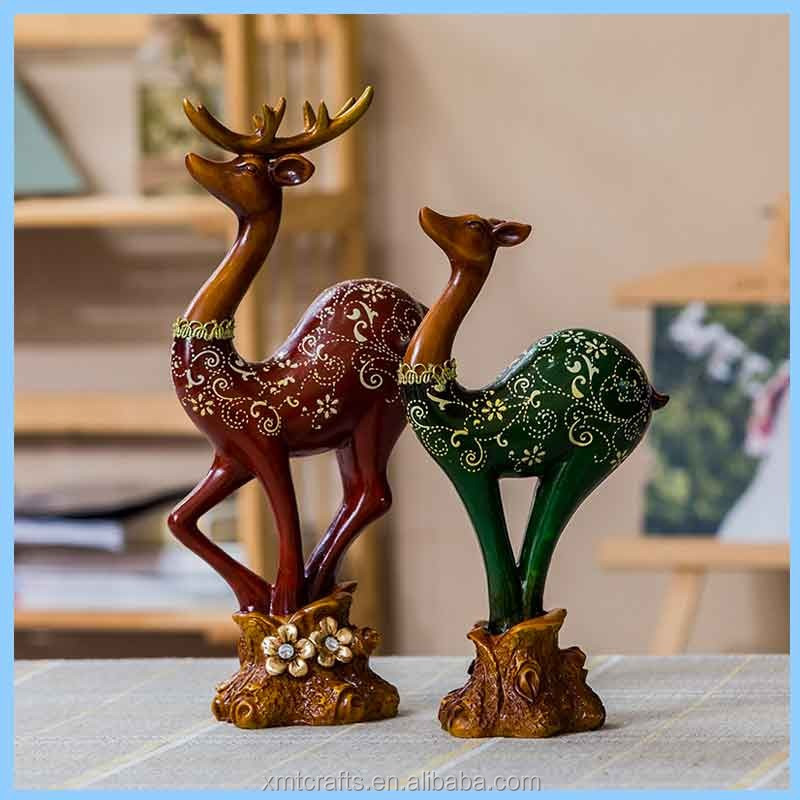 Resin European Couple Elk Statues Ornaments, Resin Red And Green Elk Home Decorations