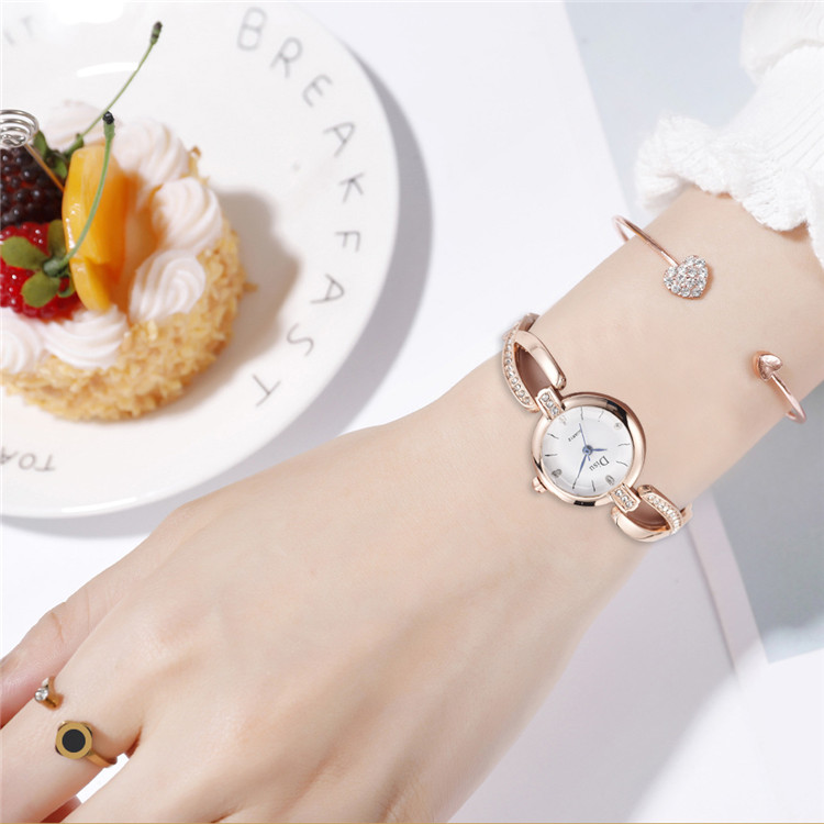 2019 Fashion Woman Watch Bracelet Wrap Lady Bracelet Wristwatch