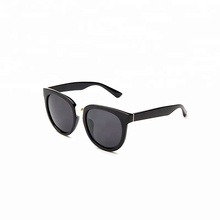 Top 10 spektakel <span class=keywords><strong>acetaat</strong></span> full-rand frame ovale vorm <span class=keywords><strong>acryl</strong></span> lens zonnebril made in china fashion brillen voor vrouwen en mannen