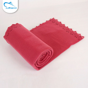 Newest promotional red foldable heated quilted japan portable throw blanket