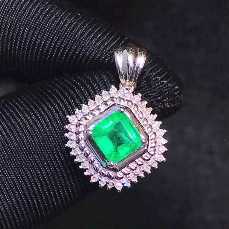 Girlfriend square <strong>Pendant</strong> <strong>natural</strong> <strong>emerald</strong> <strong>pendant</strong> 18k gold real diamond jewelry wholesale luxury design