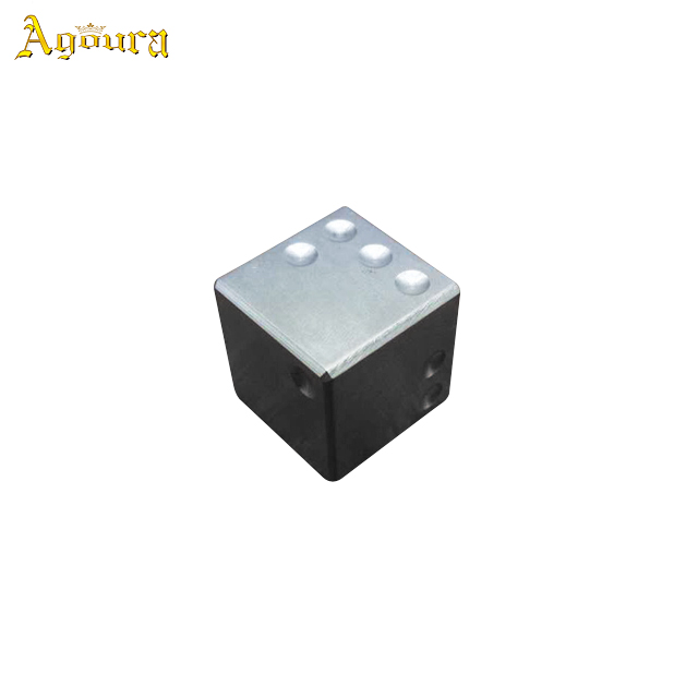 2019 factory sale titanium alloy players dice with engraved logo customization