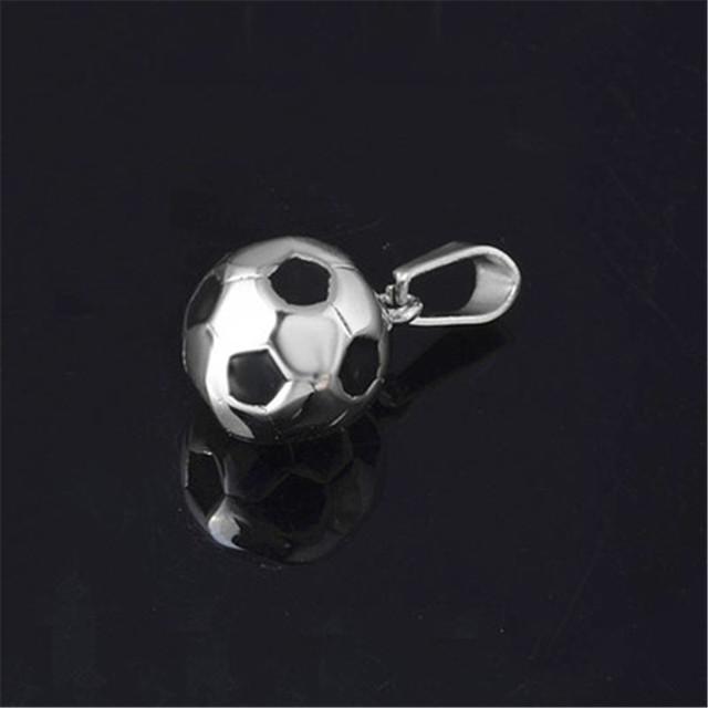 Estate 14K Solid Yellow Gold Soccer Ball Futbol Football Pendant .674 1.2 Grams Wedding
