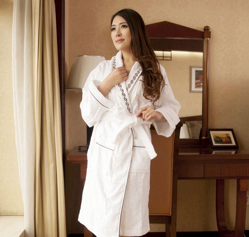связи фото в белом халате в гостинице пробка это