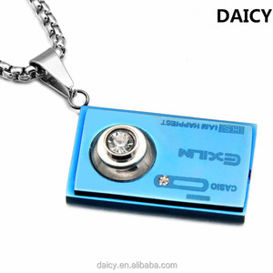 DAICY unique design stainless steel diamond blue camera pendant