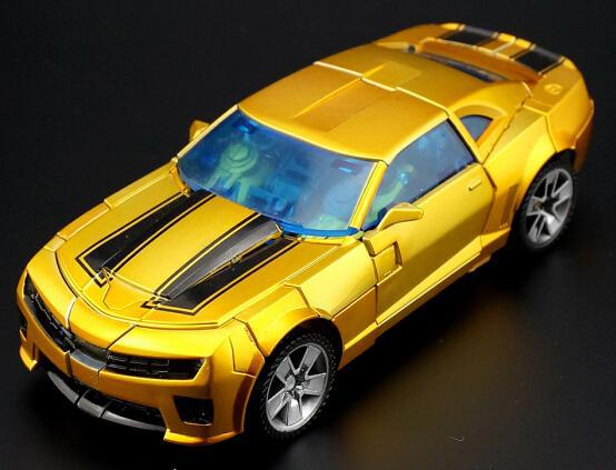 New Arrival Golden Metallic Colour Bumblebee Robot WK02 Action Figures Classic Toys For Boys Car With