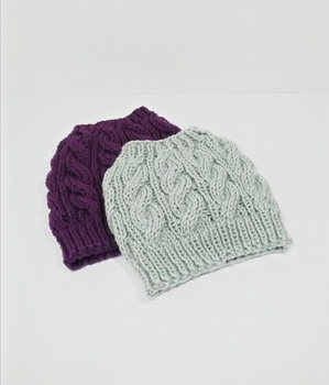 S3061 Hot Sale Cable Knit Top Knot Hats Running Beanies Crochet