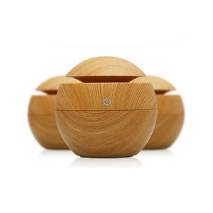 Bedroom Office 130ML Mini USB Ultrasonic Mist Maker For Air Humidifier With Wood Grain