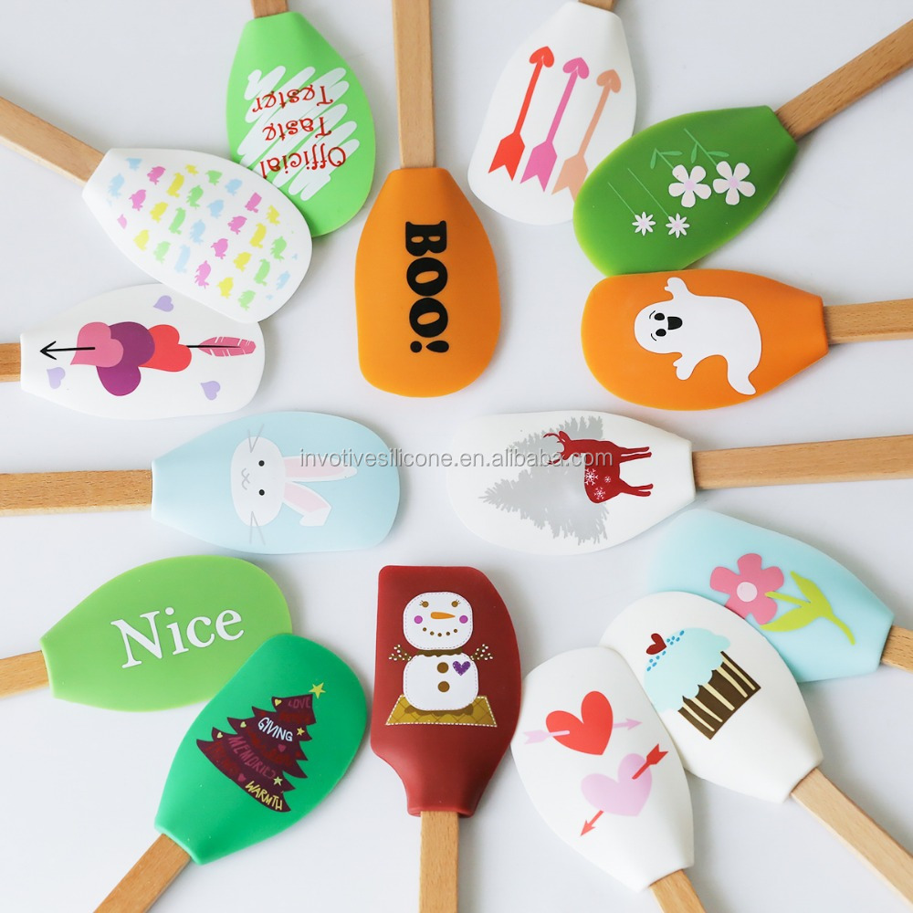 Sedex Factory Food grade silicone rubber icing spatula with wooden handle