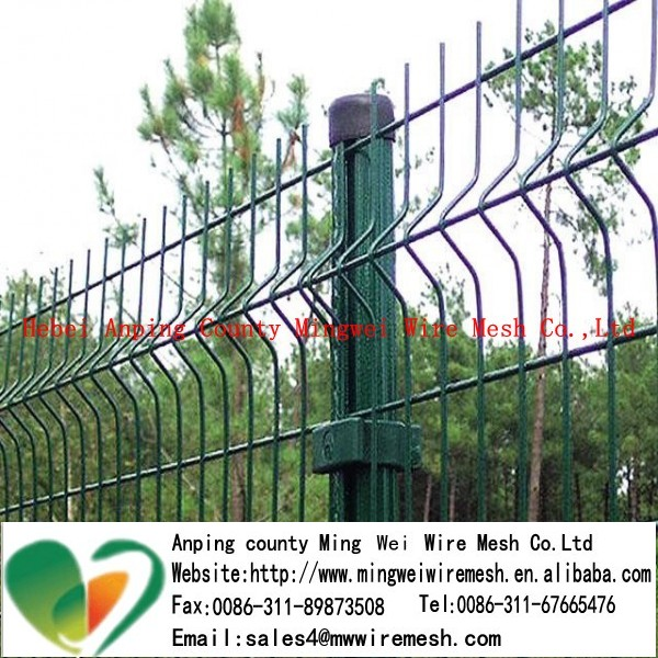 triangle shape wire mesh fence hot dipped galvanized wire diameter:3.5-6.5mm