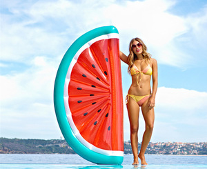Summer Hot Selling Pretty Factory Customized Water Toys Float Inflatable Fresh Watermelon Pool Float For Sale