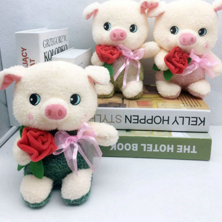 Soft Plush stuffed pig toys with flowers for home decorate wedding party custom stuffed pig couple toy plush teddy bear with pig
