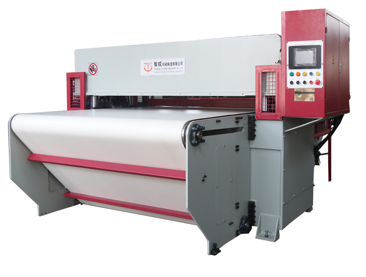 Fully automatic feeding roller cutting machine
