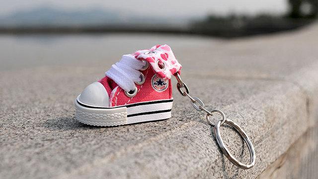 Personnalisé Mini Rose Converse Porte clés Buy Porte clés Sneaker,Porte clés Converse,Porte clés Mini Sneaker Product on