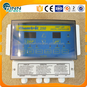 Swimming pool chlorinator cell water quality monitor