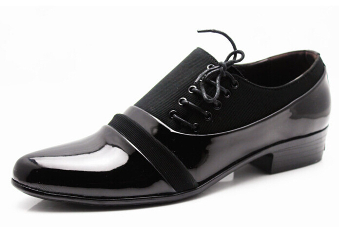 Korean version of the British men's casual shoes trend pointed lace married young black men increased business Spring