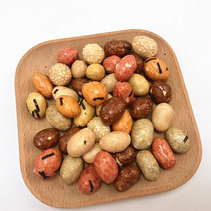Japanese style coated roasted colorful soy sauce peanuts