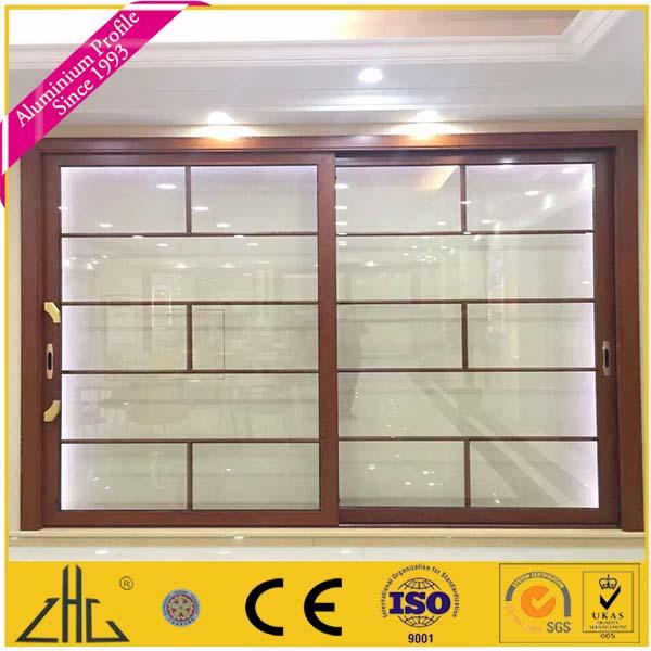Gros ventilation grille fen tre et porte coulissante et for Ventilation fenetre