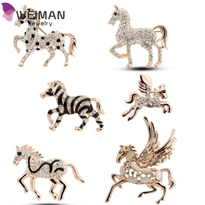 New Factory wholesales Austrian Crystal rhinestones wings horse Brooch Clip pins fashion jewelry