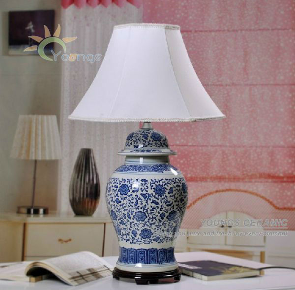 Traditional Chinese Ceramic Blue And White Porcelain Vase Base Table