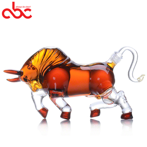 500ml FDA Certificate Handblown Borosilicate Bull Animal Shaped Glass Wine Bottle Clear Whisky Decanter