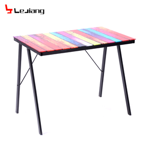 Free sample wholesale ergonomic modern malaysia cheap office gaming glass aldi computer desk
