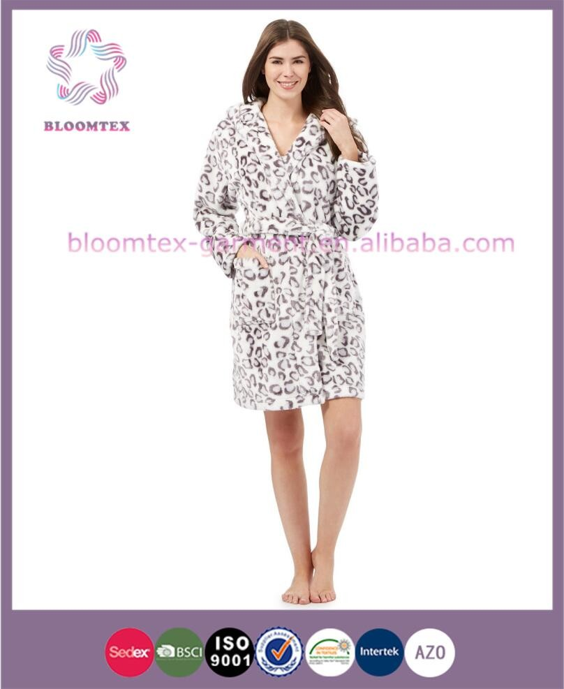 Polyester Modern Ladies Dressing Gowns - Buy Ladies Quilted Dressing ...